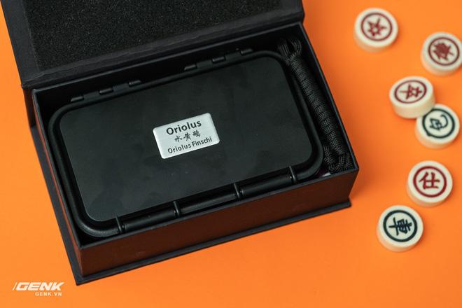 Hộp đựng của Finschi khá giống với hộp chống nước của Ottobox!