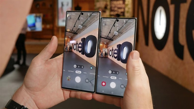 Galaxy Note mới có thêm tính năng Live Focus khi quay video.
