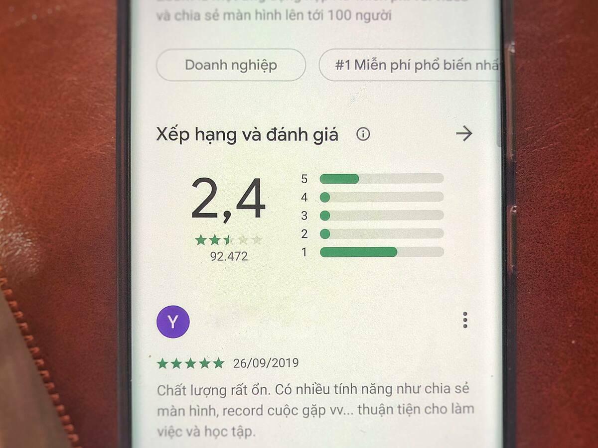 Ứng dụng Zoom Cloud Meetings nhận loạt một sao từ người dùng Việt Nam.
