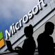Microsoft, LinkedIn và Twitter là những công ty đầu tiên khởi động chính sách làm việc từ xa. Ảnh: FT.