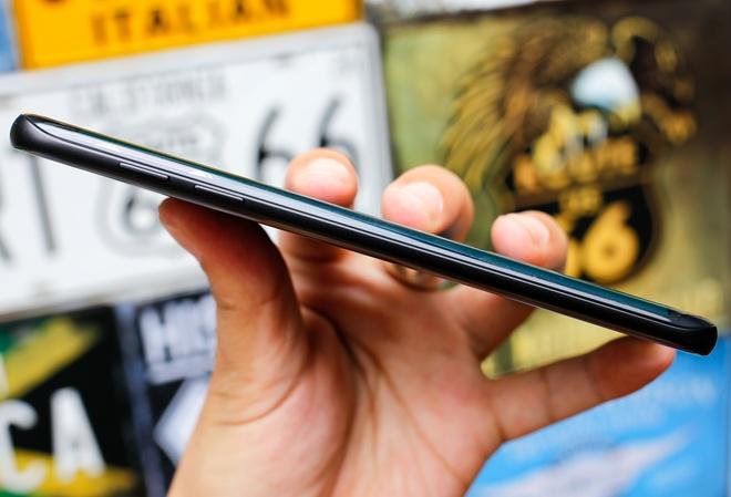 Galaxy S7 edge phiên bản đặc biệt giá 25 triệu đồng