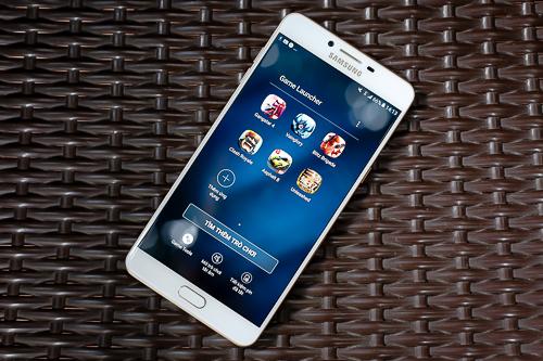 Thay vì tập trung vào tính năng chụp ảnh, selfie hay thiết kế, mẫu Galaxy C9 Pro lại tâp trung vào tính năng chơi game, giải trí di động.